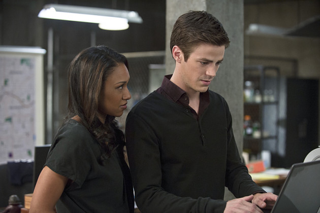 Who is iris dating in the flash