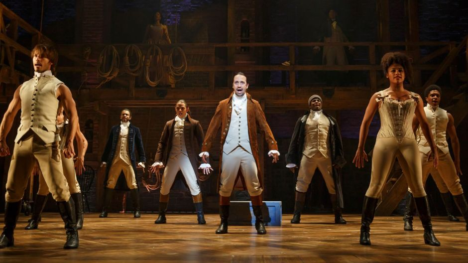 1401x788-HamiltonBway0050r-Lin-Manuel-Miranda-and-the-cast-of-Hamilton