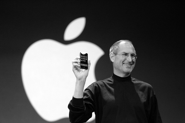 steve-jobs-original-iphone-apple-sign.jpg