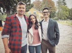 Tom Welling, Elizabeth Tulloch, and Tyler Hoechlin on the Smallville farm