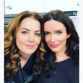 Erica Durance and Elizabeth Tulloch as Lois Lane